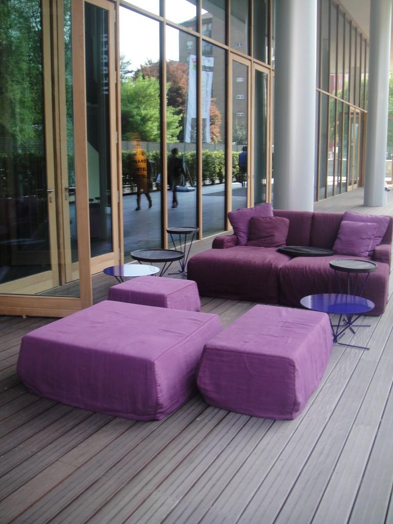 violett lila flieder farbe bewegt. Black Bedroom Furniture Sets. Home Design Ideas